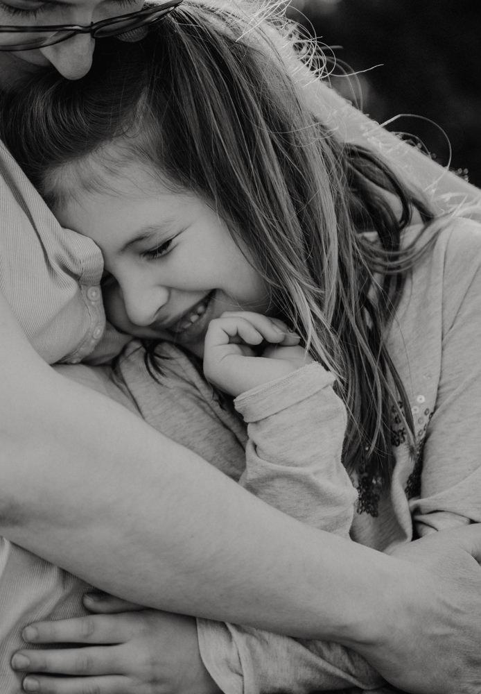 seance nouveau né a domicile - faire sa séance photo bébé a la maison - photographe nouveau né lifestyle paris - photographe famille yvelines - leslie photographie