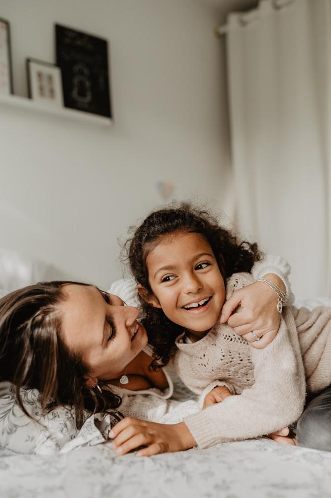 photographe familles paris - séances familles yvelines - reportage photo famille - séance photo famille en extérieur - leslie photographie