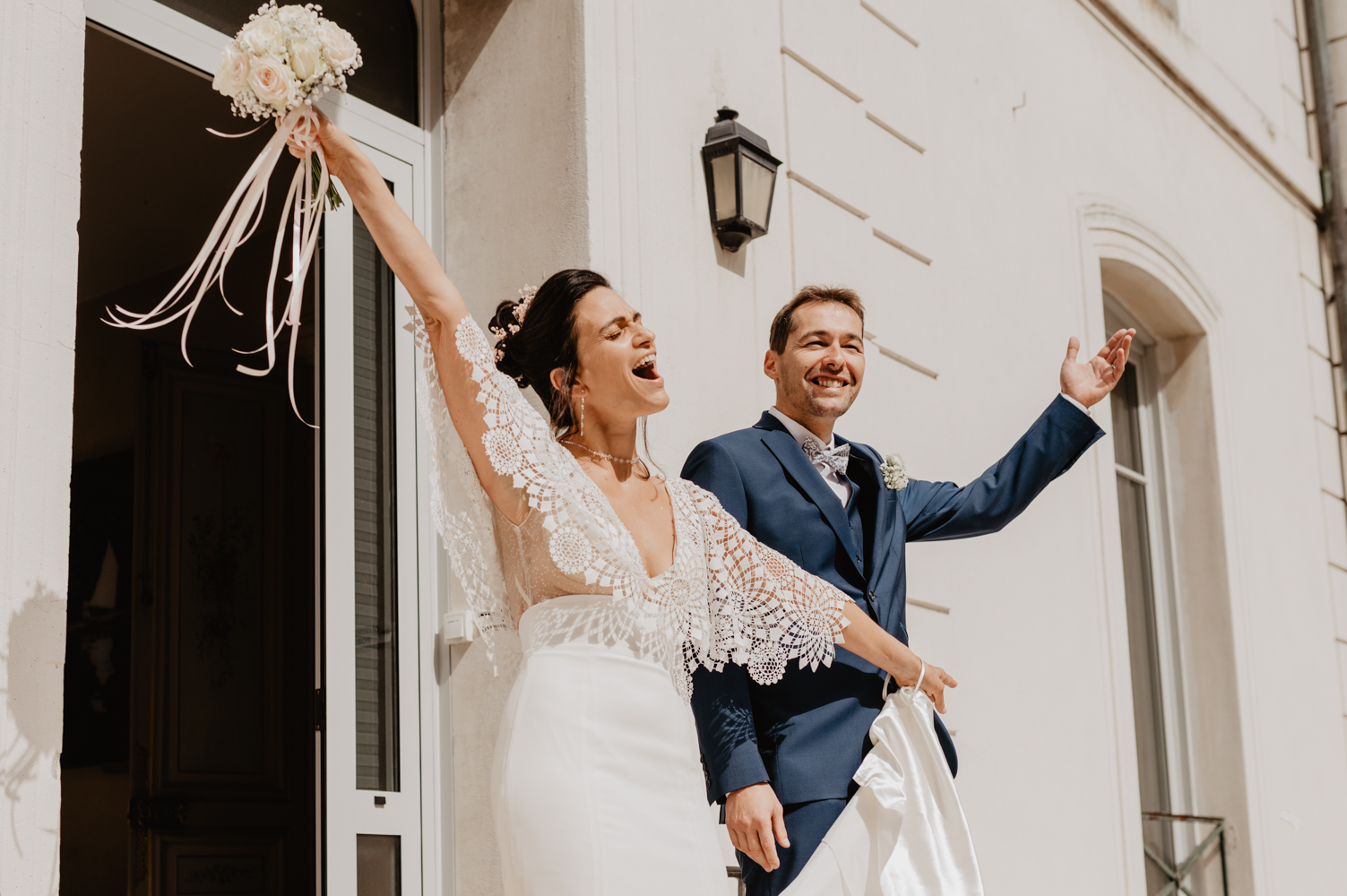 mariage civil louvres paris - seance photo couple mariage paris - photographe mariage yvelines - leslie photographie