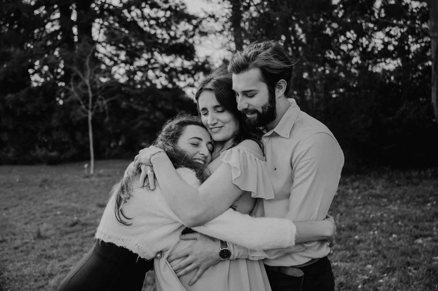 seance photo famille en exterieur - documenter le quotidien d une famille - seance photo famille naturelle - leslie photographie